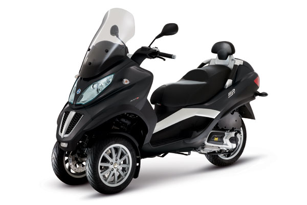 piaggio mp3 le scooter 3 roues life and style. Black Bedroom Furniture Sets. Home Design Ideas
