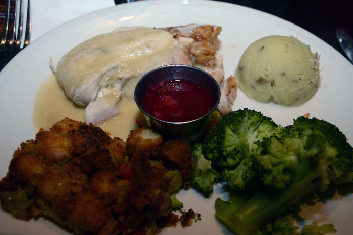 hard-rock-cafe-thanksgiving-plat-principal