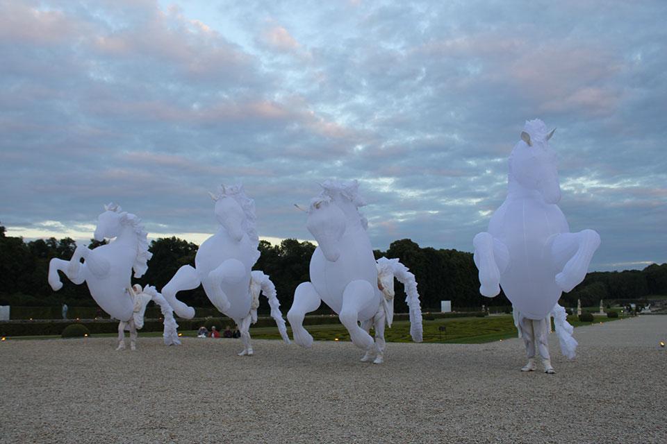 vaux-le-vicomte-spectacle-chevaux