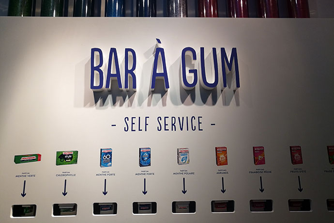 hollywood-bar-a-gum