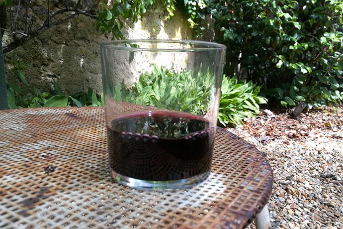 nicolas-les-grumes-verre-vin