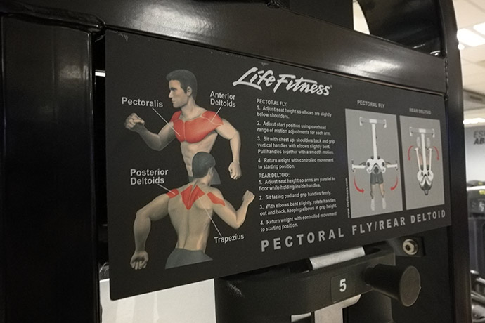 fitness-park-pectoral-fly