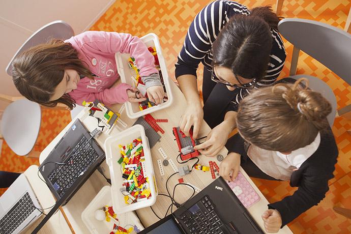 atelier-renault-lego