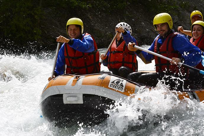 serre-chevalier-rafting-equipe